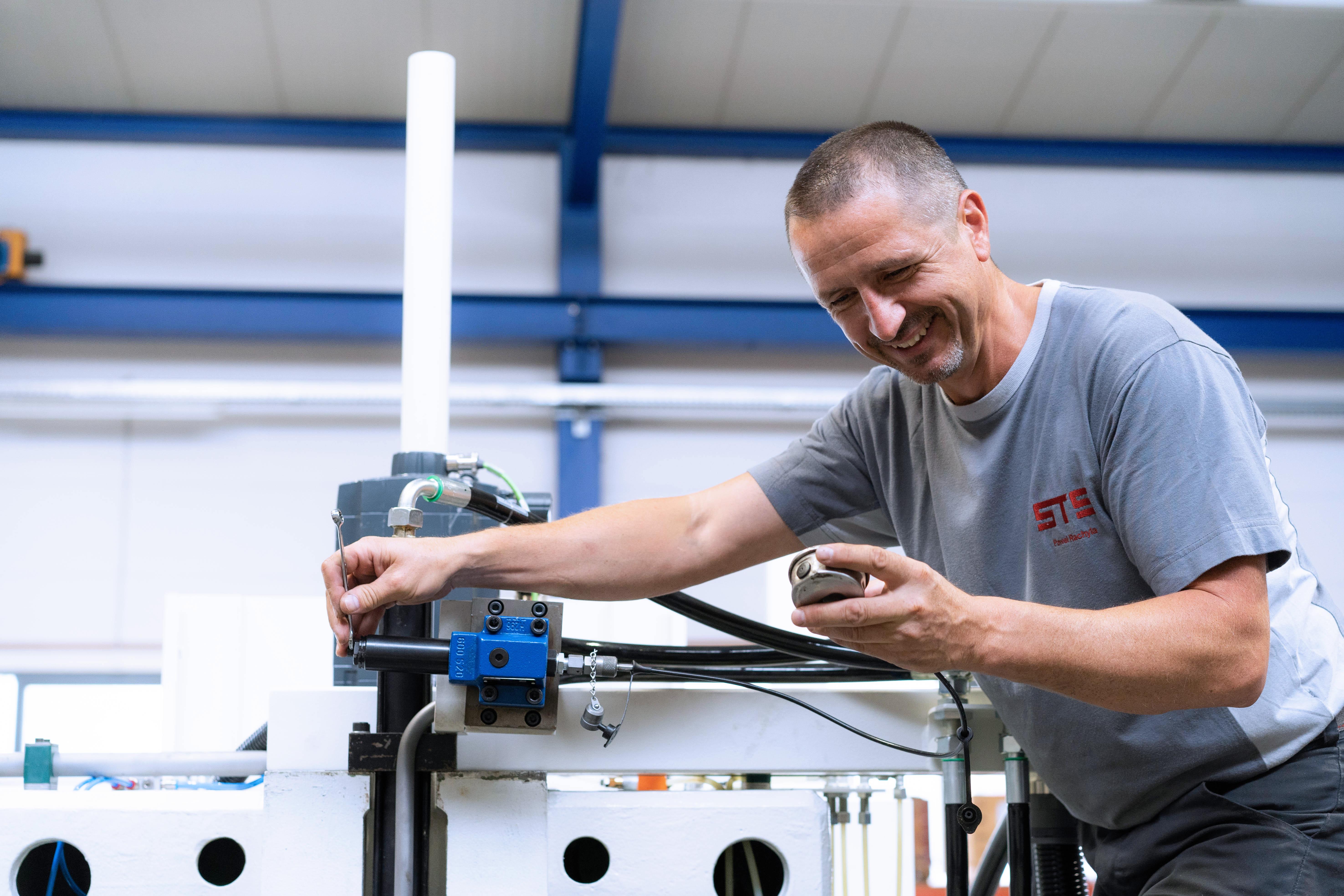 Maschinenprüfung CNC Lachen STS