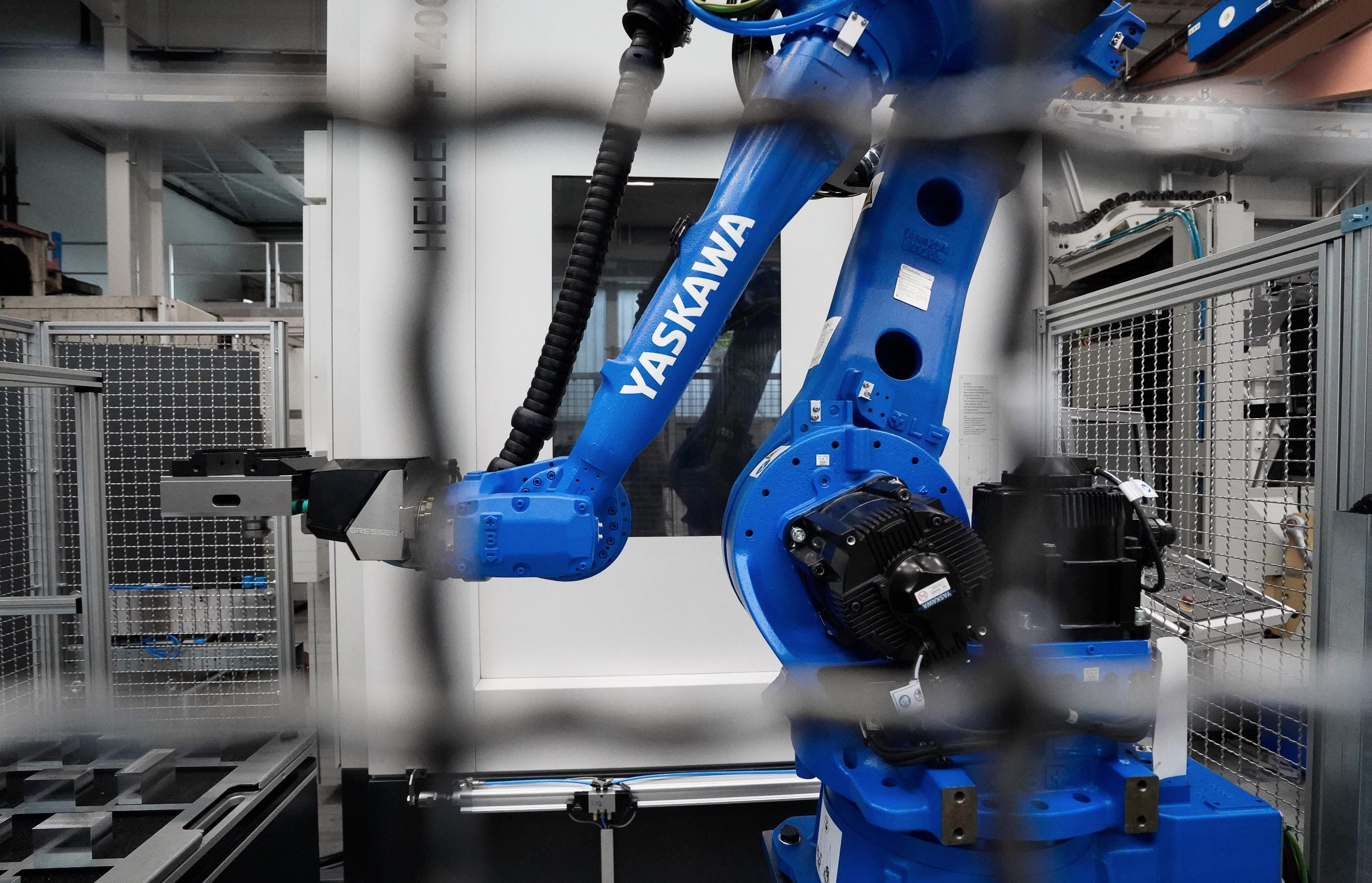 Retrofit CNC Maschine Hände arbeiten