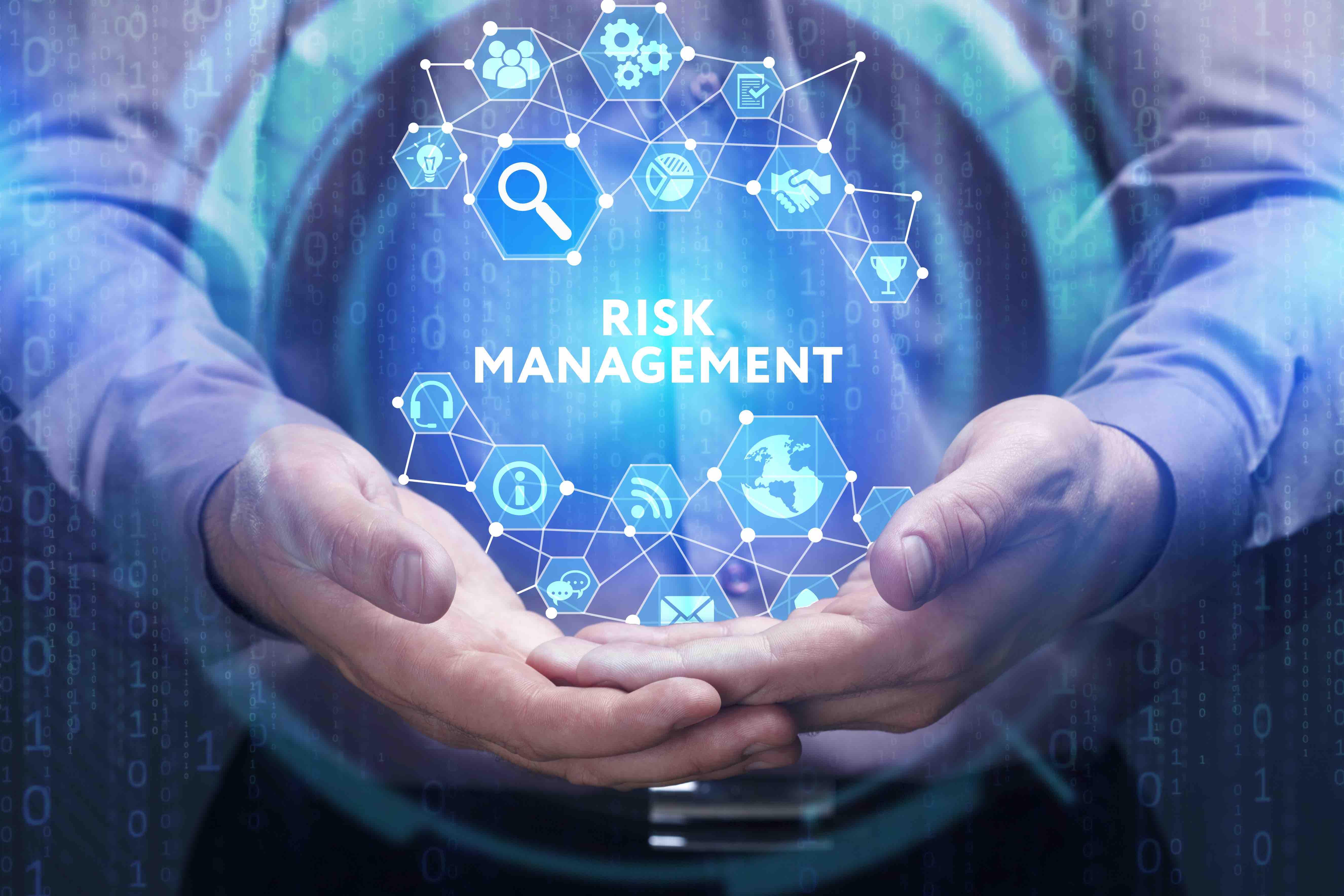 Om een organisatie goed te kunnen managen, is risicomanagement onmisbaar. Het in kaart brengen van alle risico's die jouw organisatie kunnen raken, helpt bij het tijdig signaleren en, indien mogelijk, bij het voorkomen van knelpunten. Met een nulmeting weet je snel waar je staat. En nog belangrijker: op welke risico's je proactief moet inspelen om de knelpunten te voorkomen. De HighQ Quick Scan biedt je de oplossing voor dit vraagstuk.