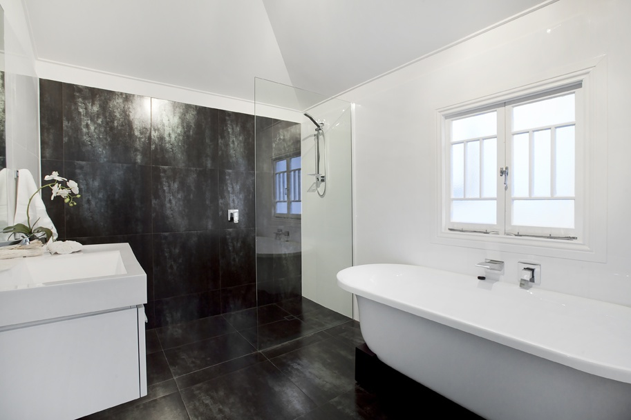Easy Ideas To Make A Small Bathroom Look Bigger Mastercraft Tiling Bathroom Renovations Mastercraft Help 20 Years Experience