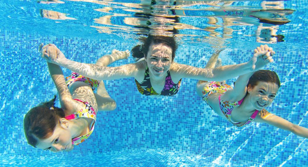 Zwembadonderhoud groene aanslag