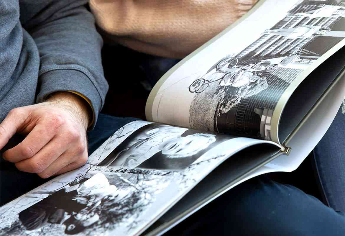 Create a hardcover photo book as a gift for Father's Day 2021