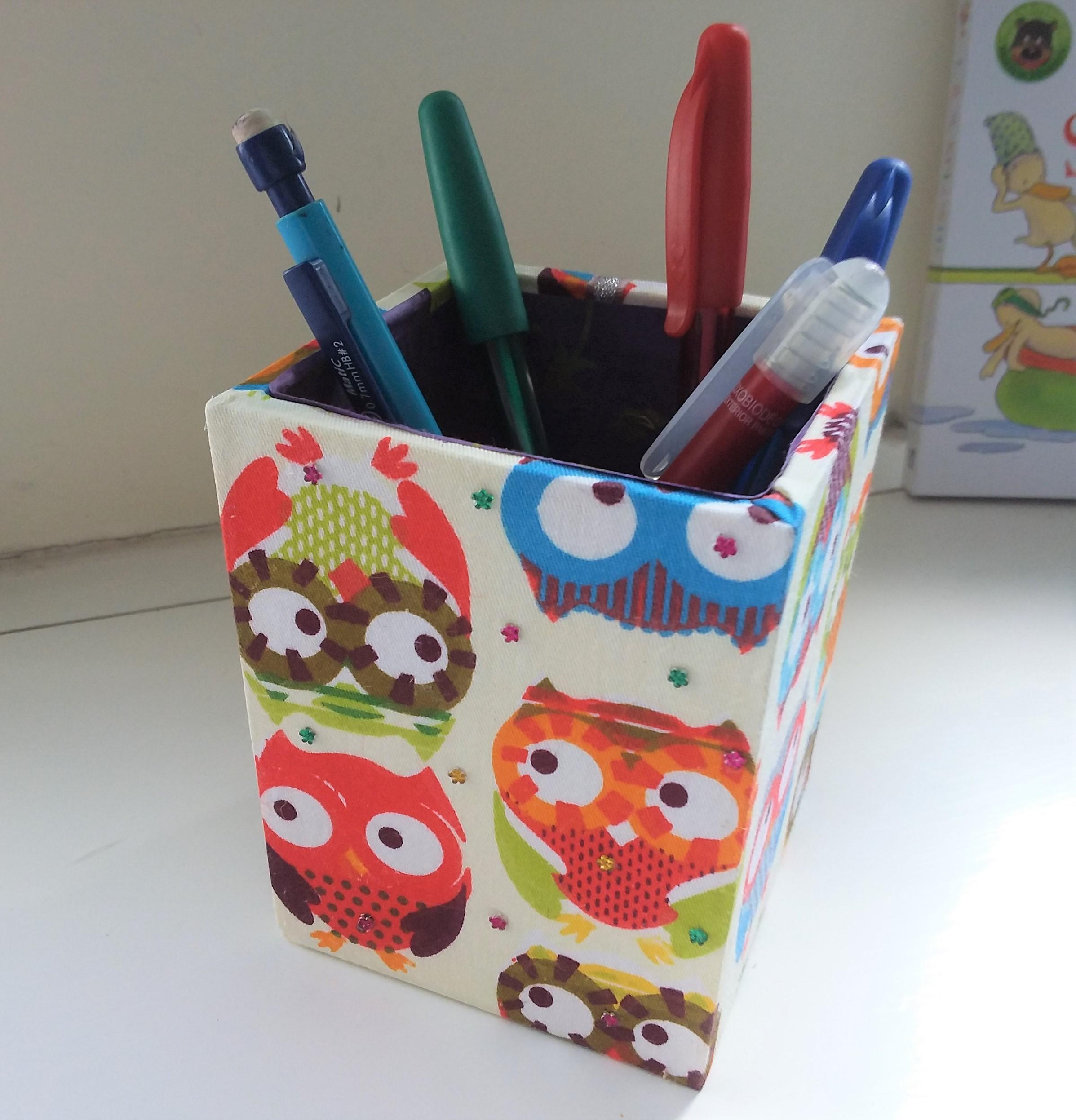 Wood Pen Holder - funny Owls