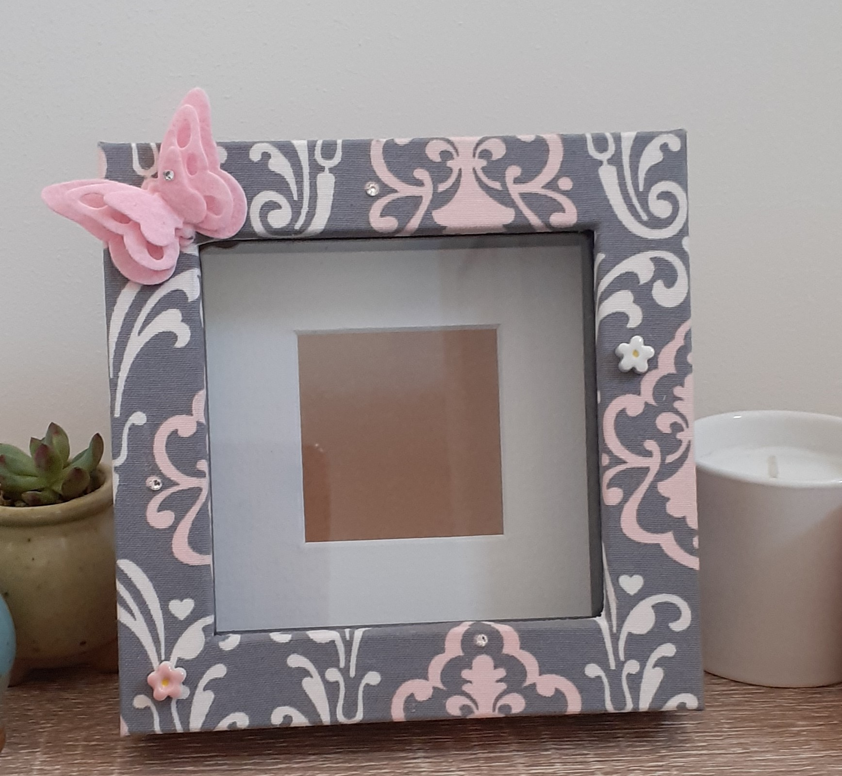 Box photo frame box - pink butterfly