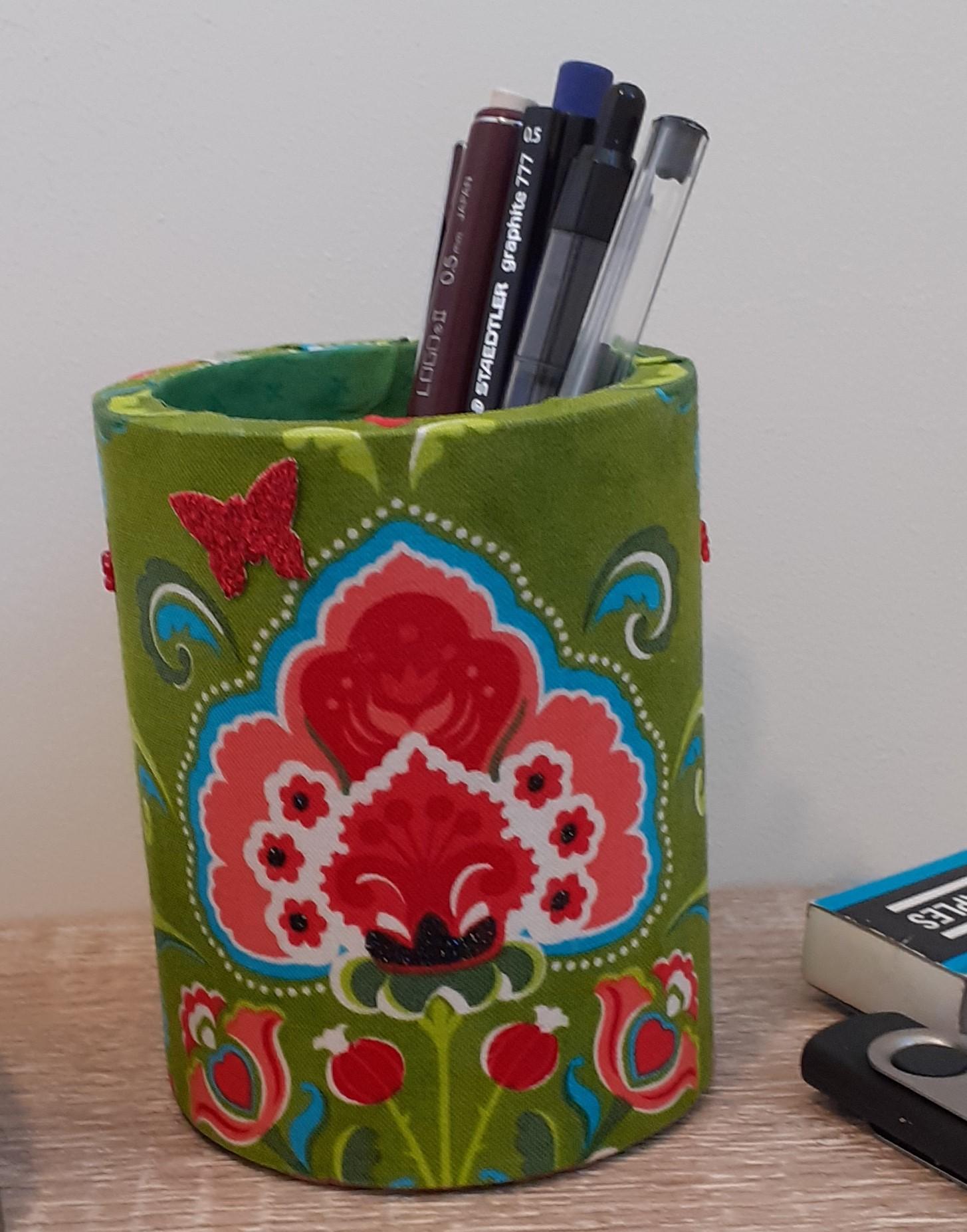 Wood Pen Holder - retro red-green