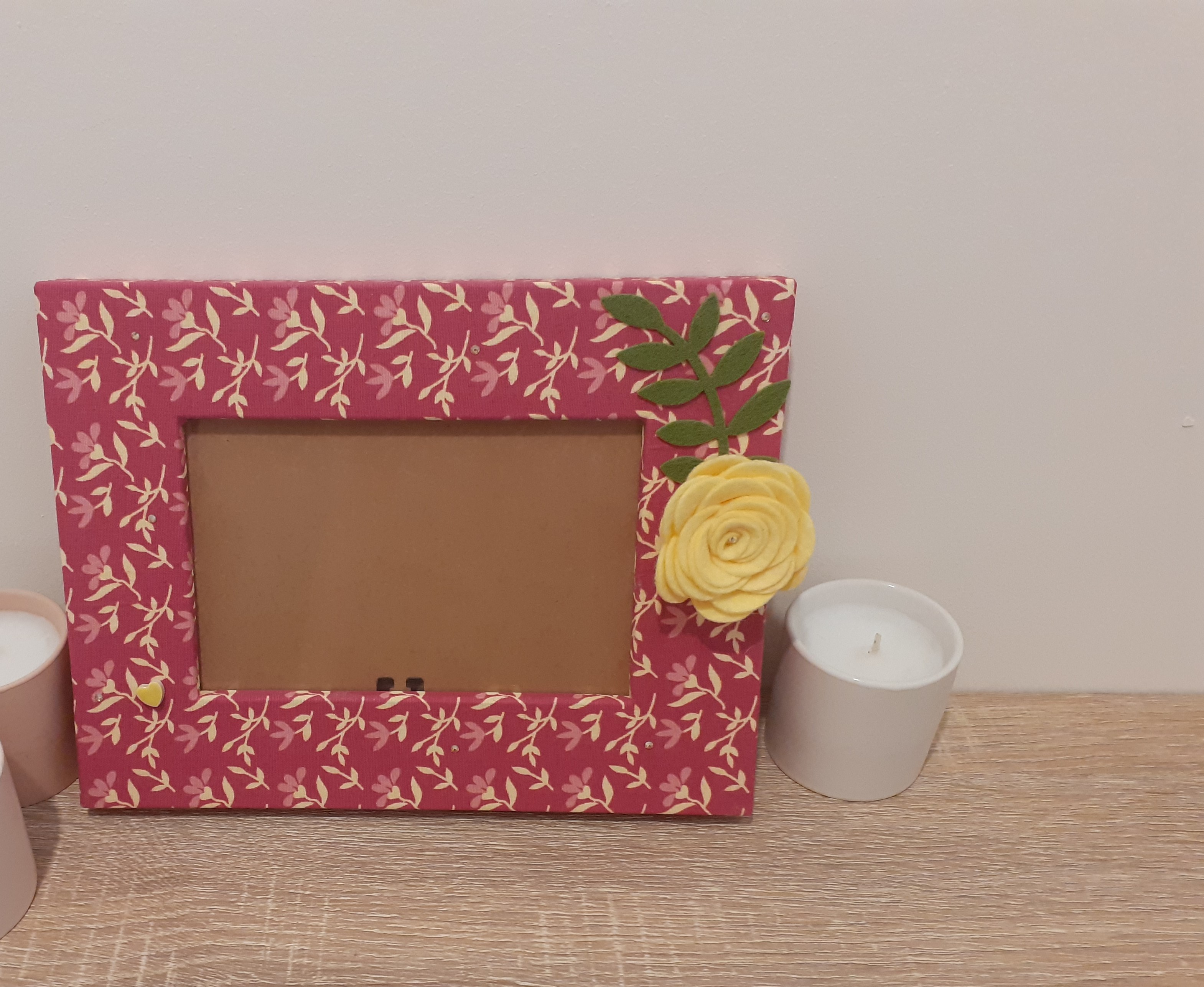 Rose burned and baby yellow print frame - medium