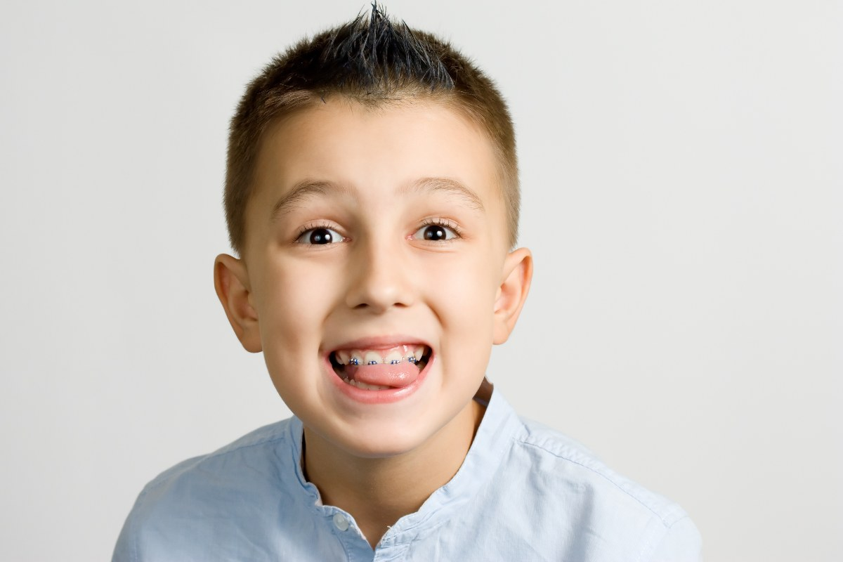 Kid with traditional braces in Kingstowne