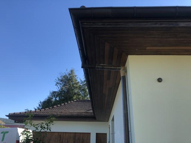 Microgommage d'un avant-toit à Colombier