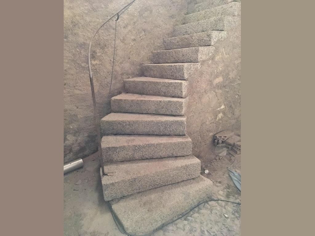 Gommage d'un escalier en granit