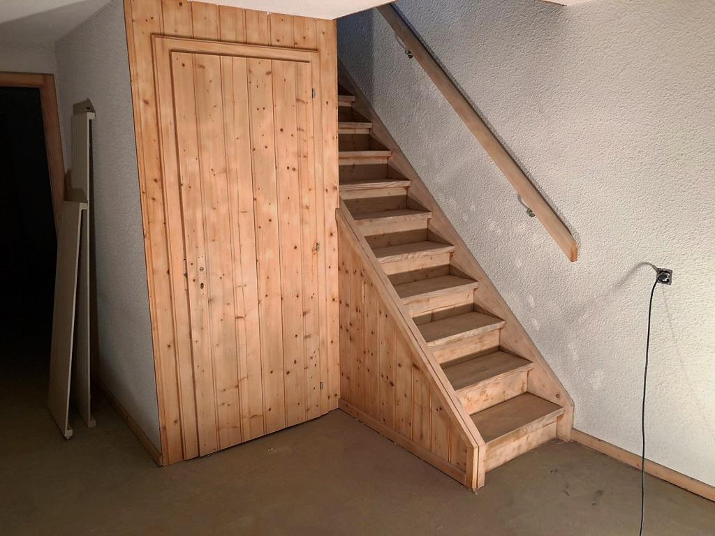 Gommage d'un escalier en bois