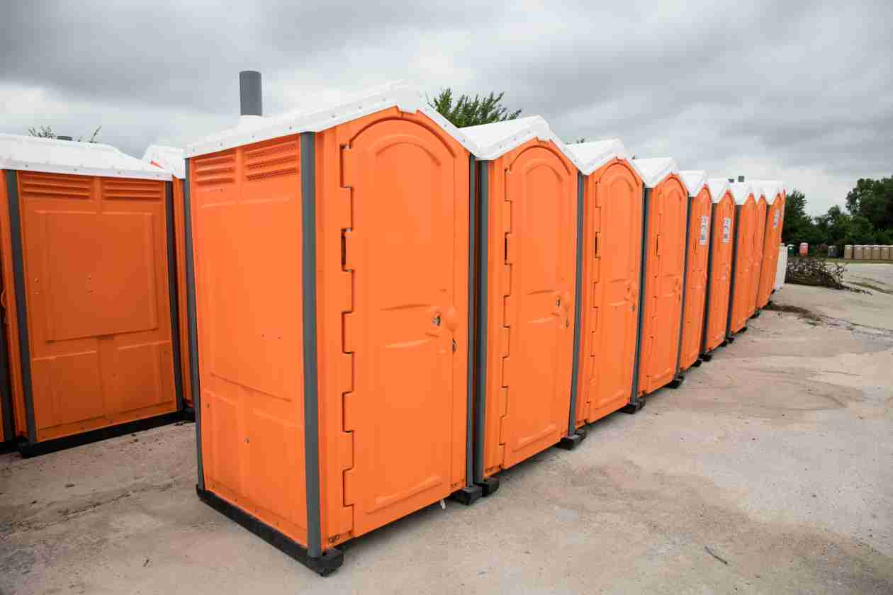 How Much Does It Cost to Rent a Porta Potty? Answers for ...