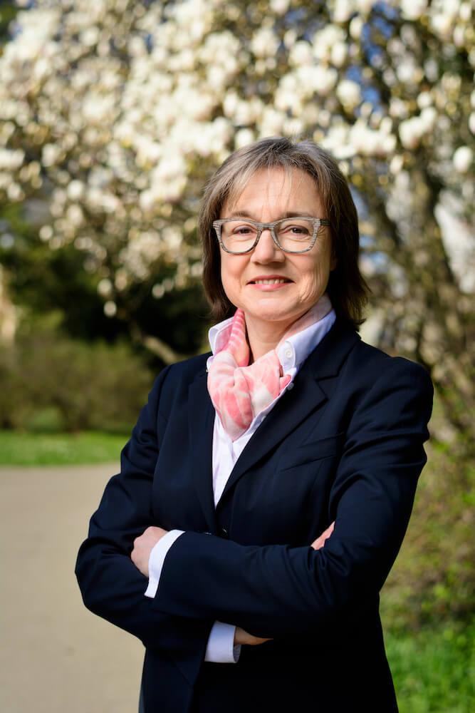 Dr. Beatrice Van der Haegen-Graber