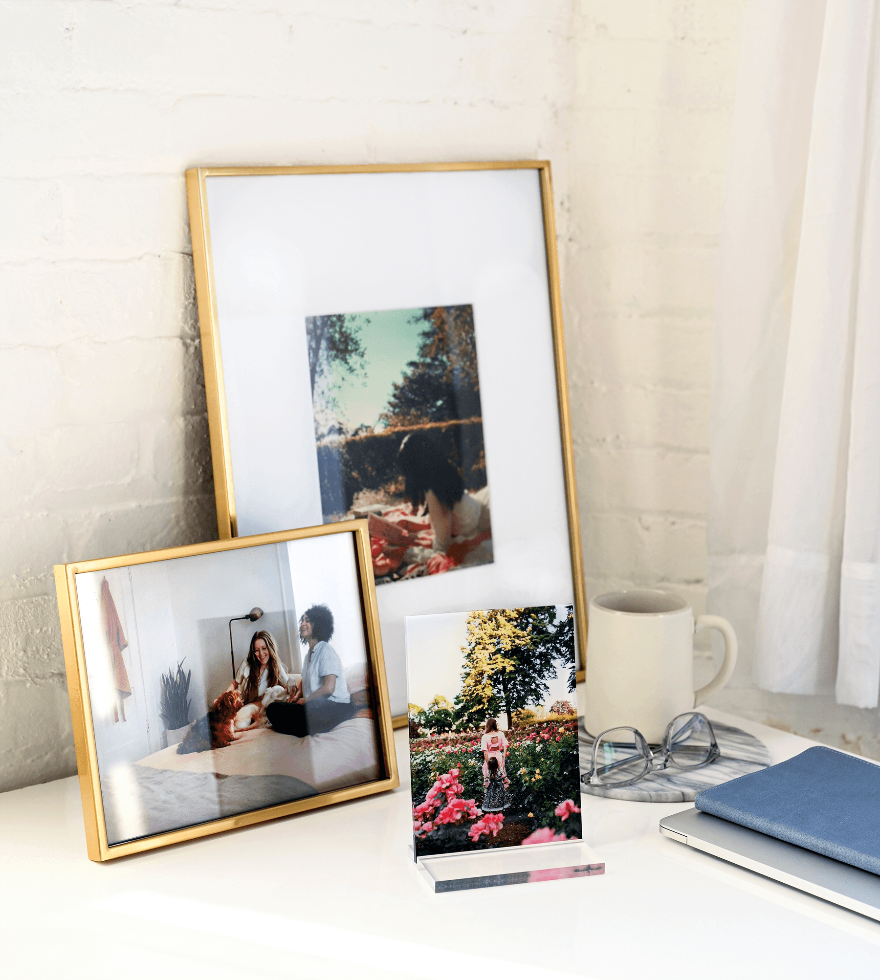 Print your favorite romantic moments for your home office with tabletop decor