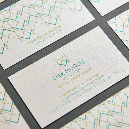 DesignGood business card design for realtor Lisa Muñoz
