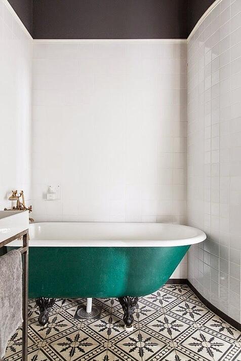 223a4015ad7e274eb928024d4aa59f95--clawfoot-tubs-bath-tubs.jpg