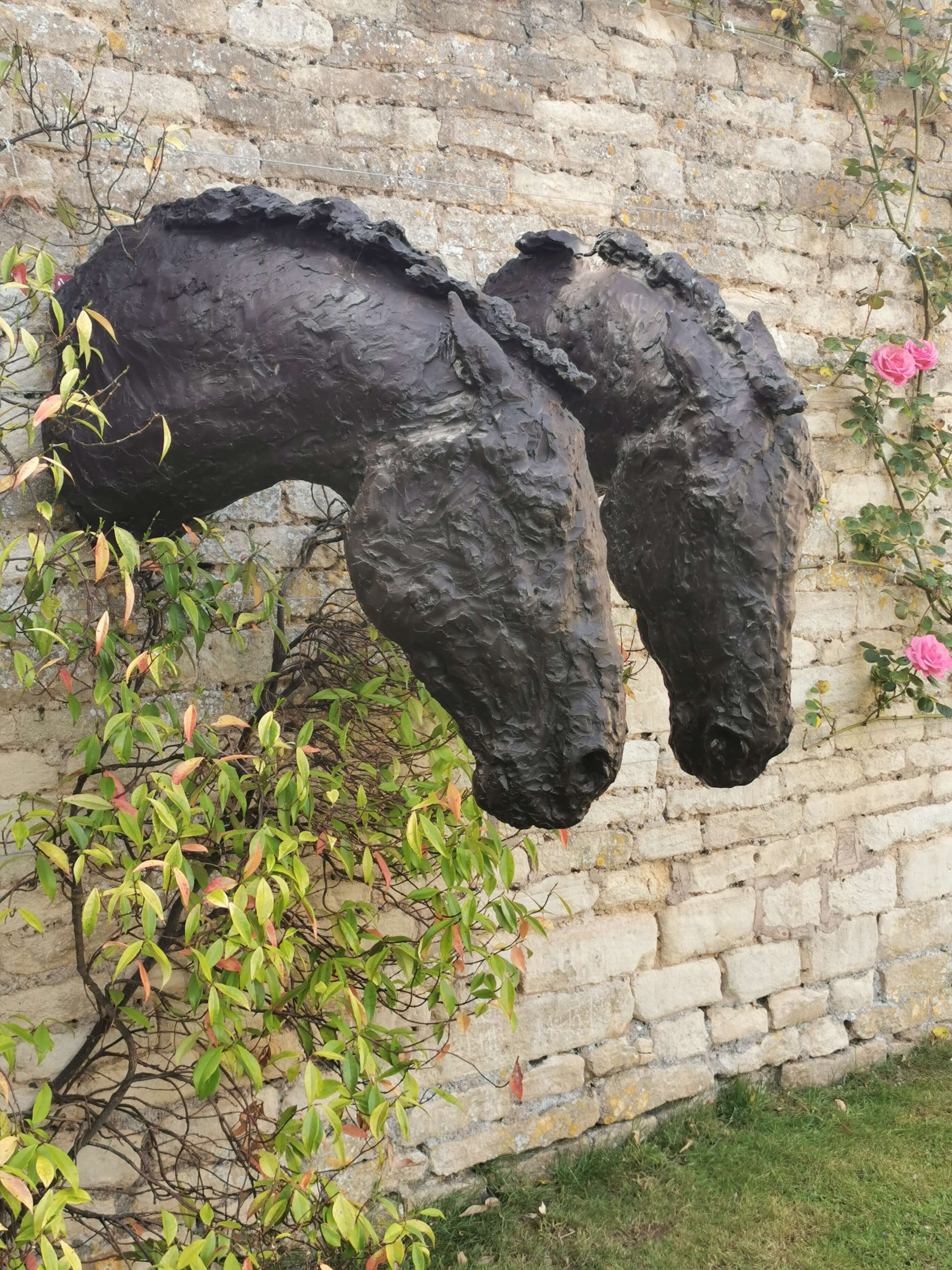 Nicola Toms - Horse Studies with Muse. The Sculpture Company