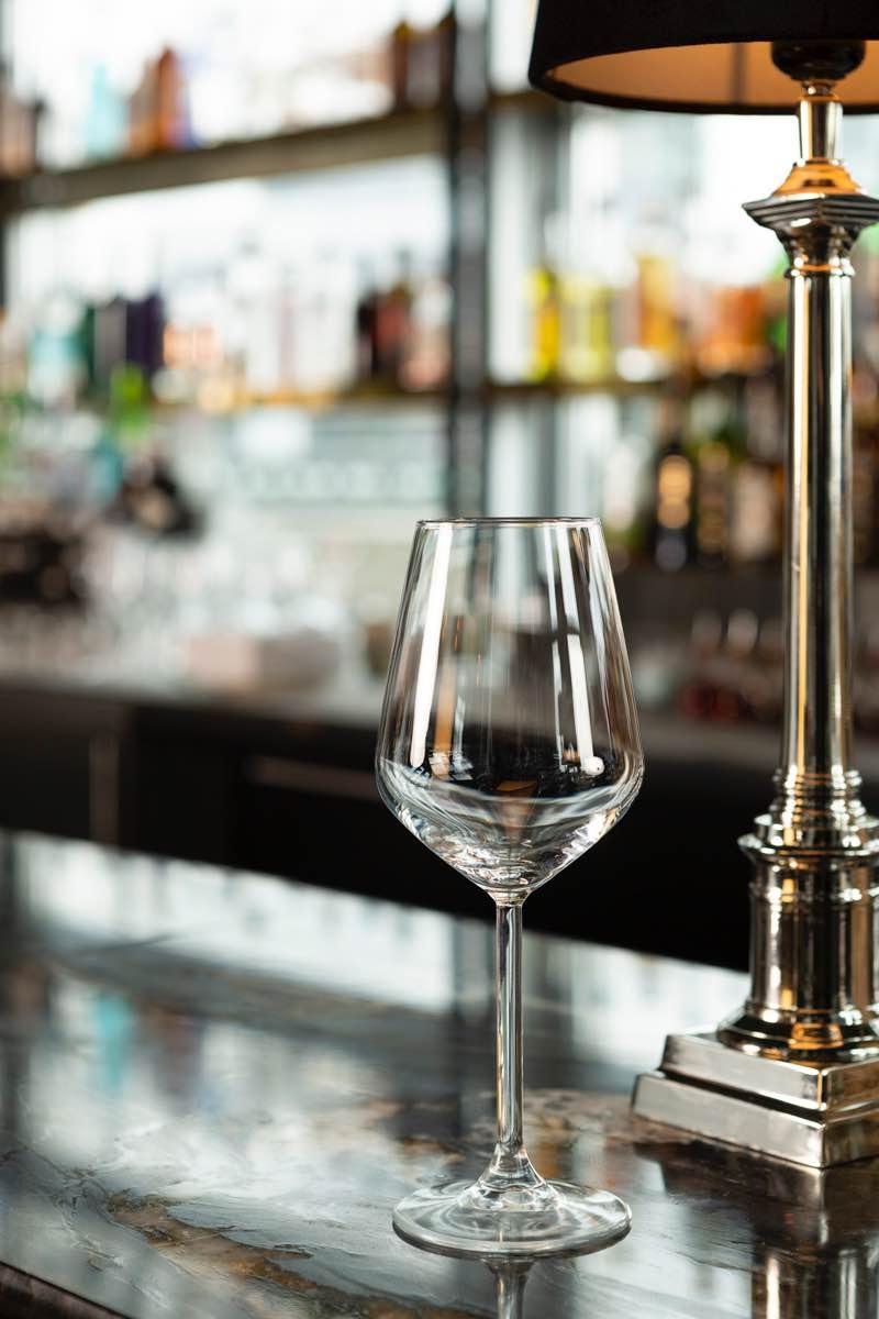 Weisswein Glas Drops ausleihen