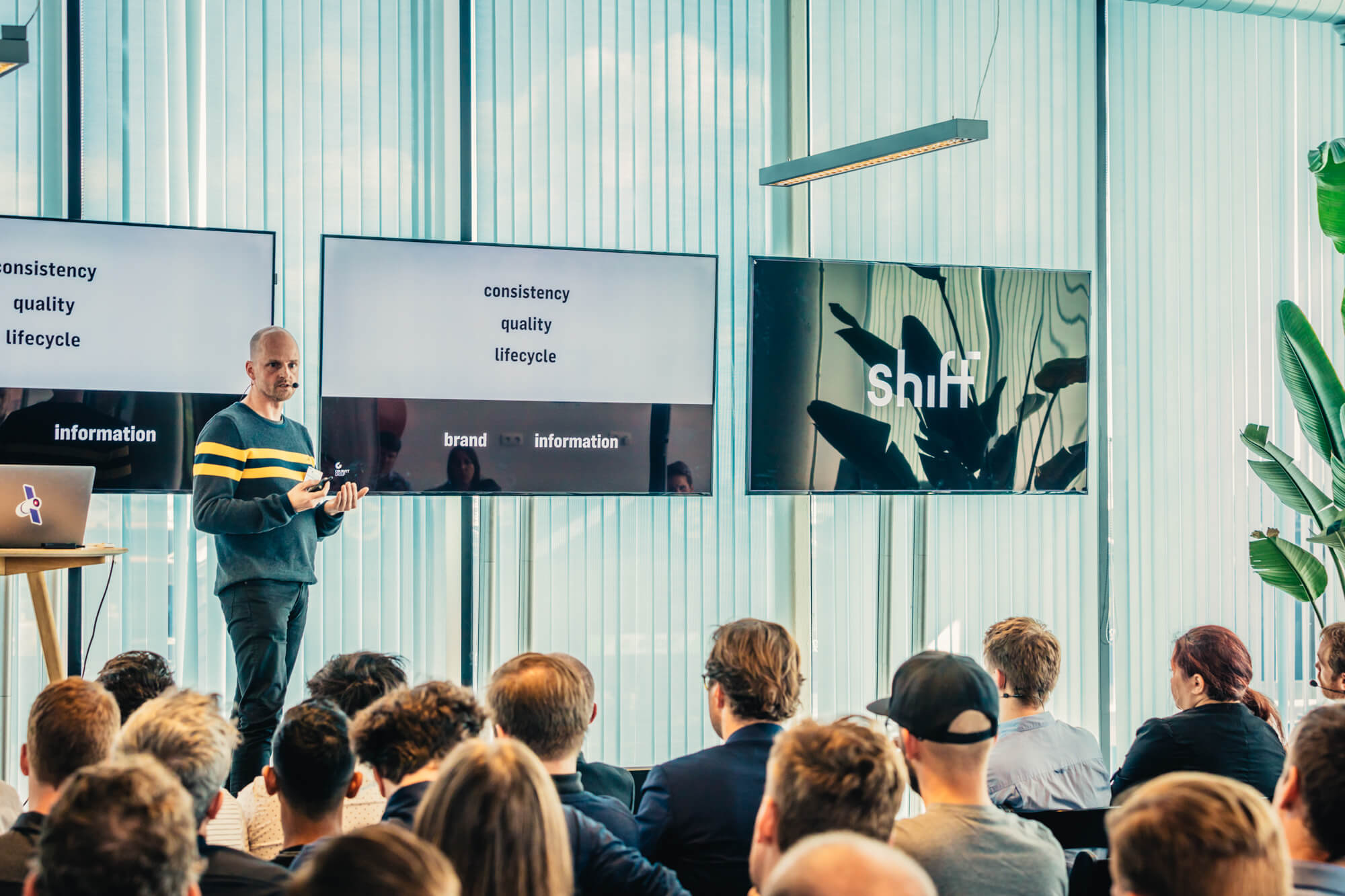 Wouter Walgraeve presenting about design during 'Shift'