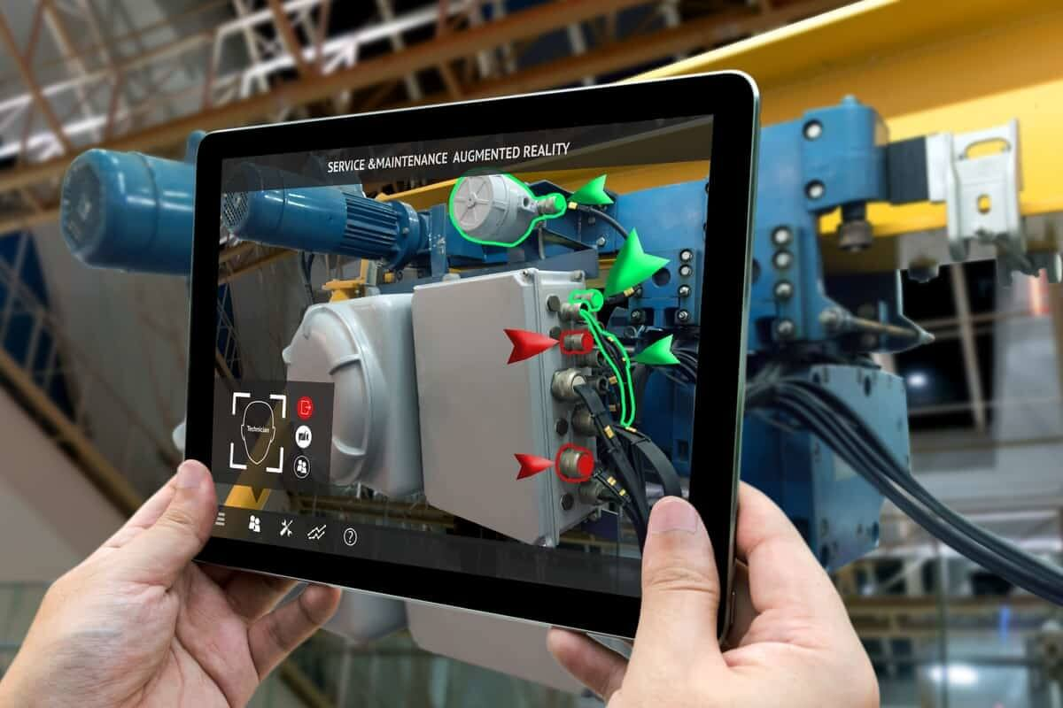 AR displaying information about an industrial machine