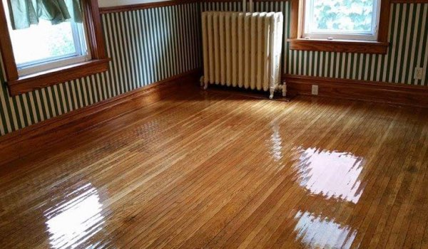 hardwood floor after a cleaning