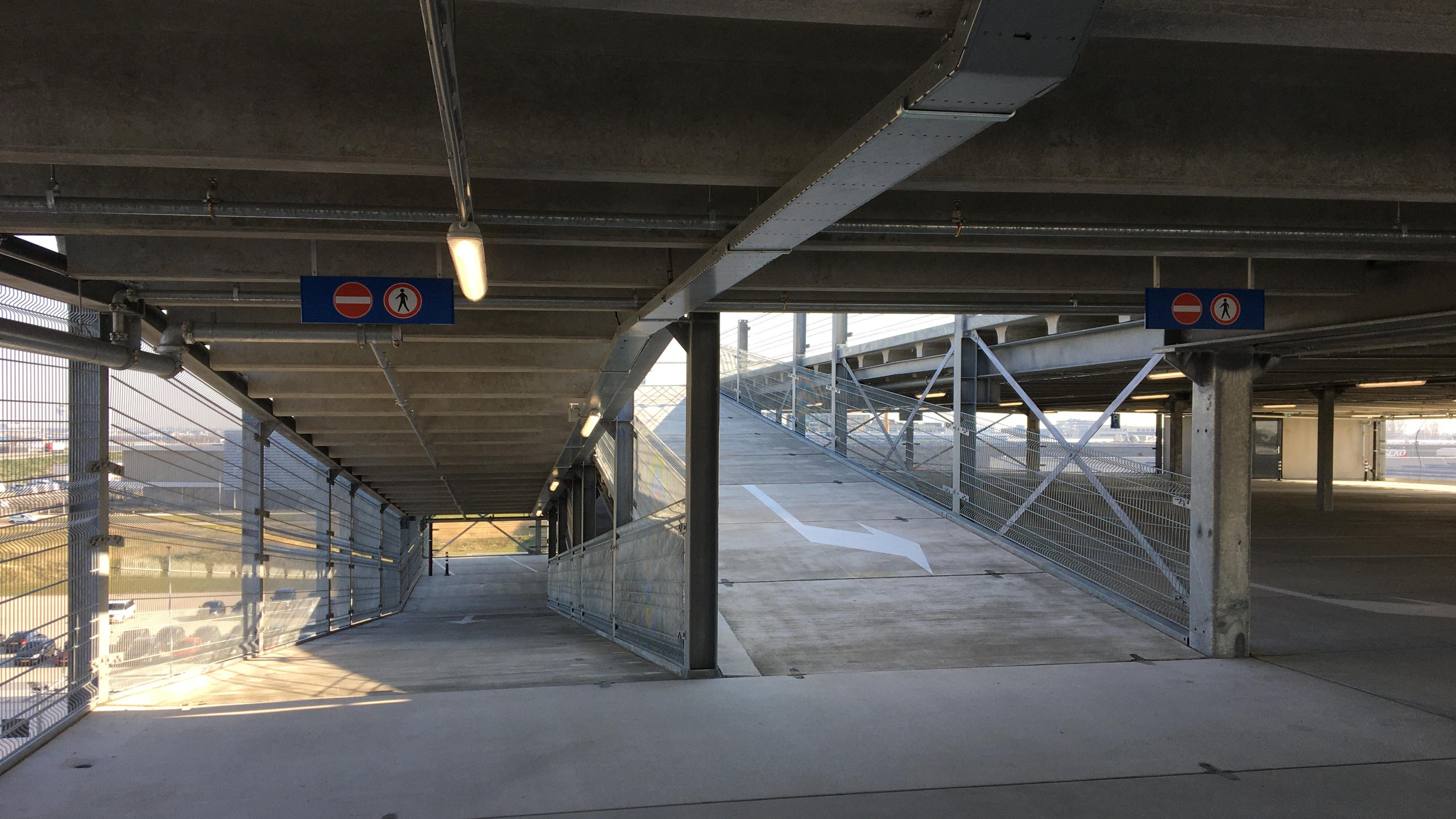 Zevenlaags parkeergarage Schiphol Logistics Park opgeleverd