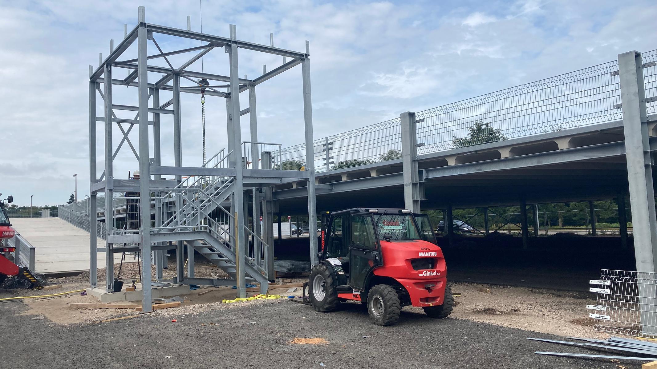Eerste fase bouw parkeerdek Gelre ziekenhuizen Apeldoorn gereed