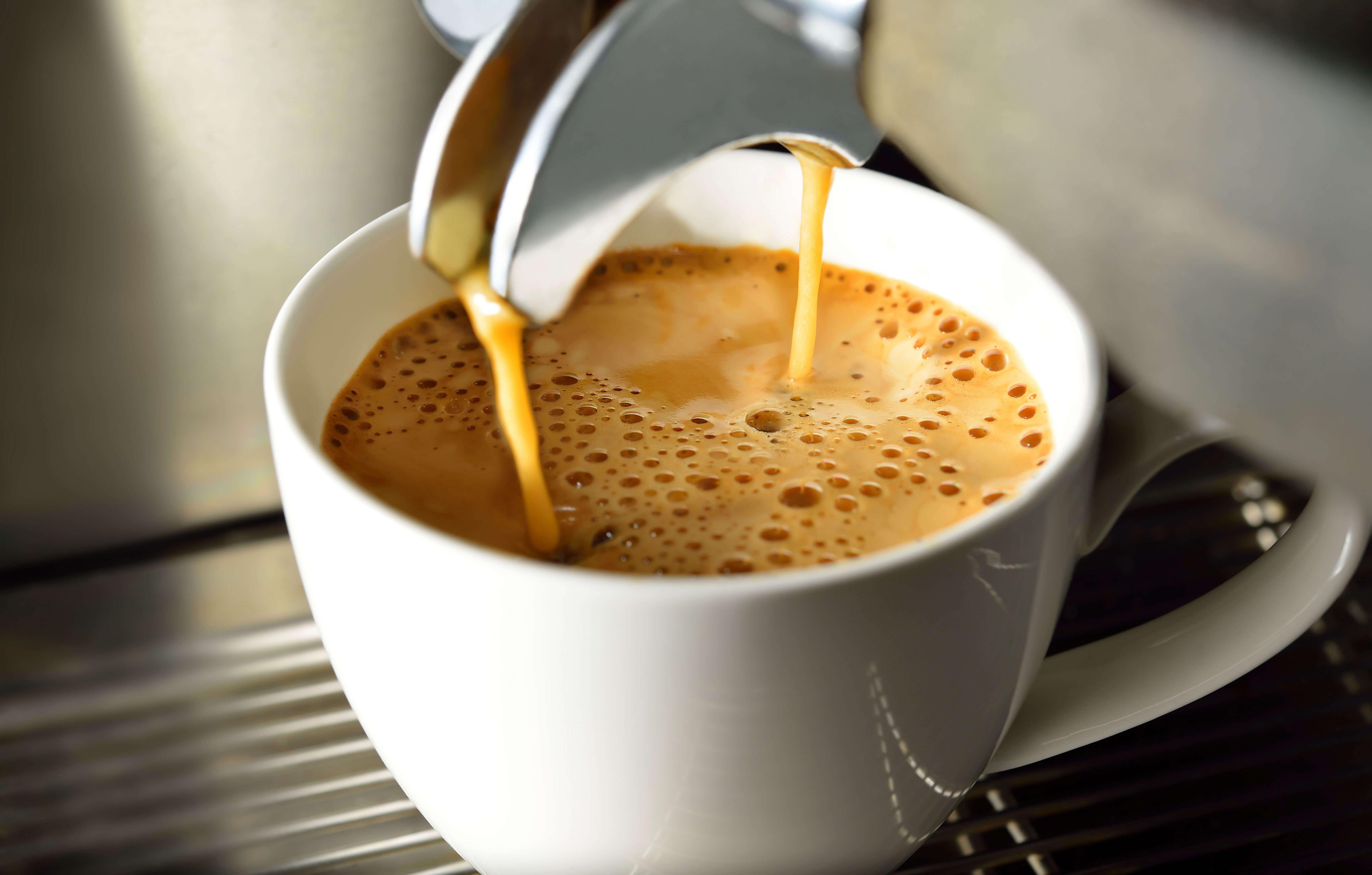 Snack Automaten und frischer Kaffee