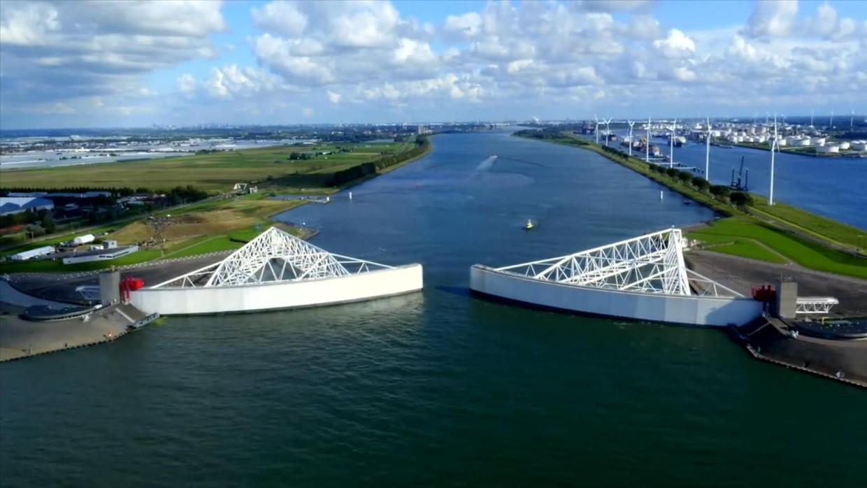 Dutch stormwater management as a solution to protect cities from hurricanes