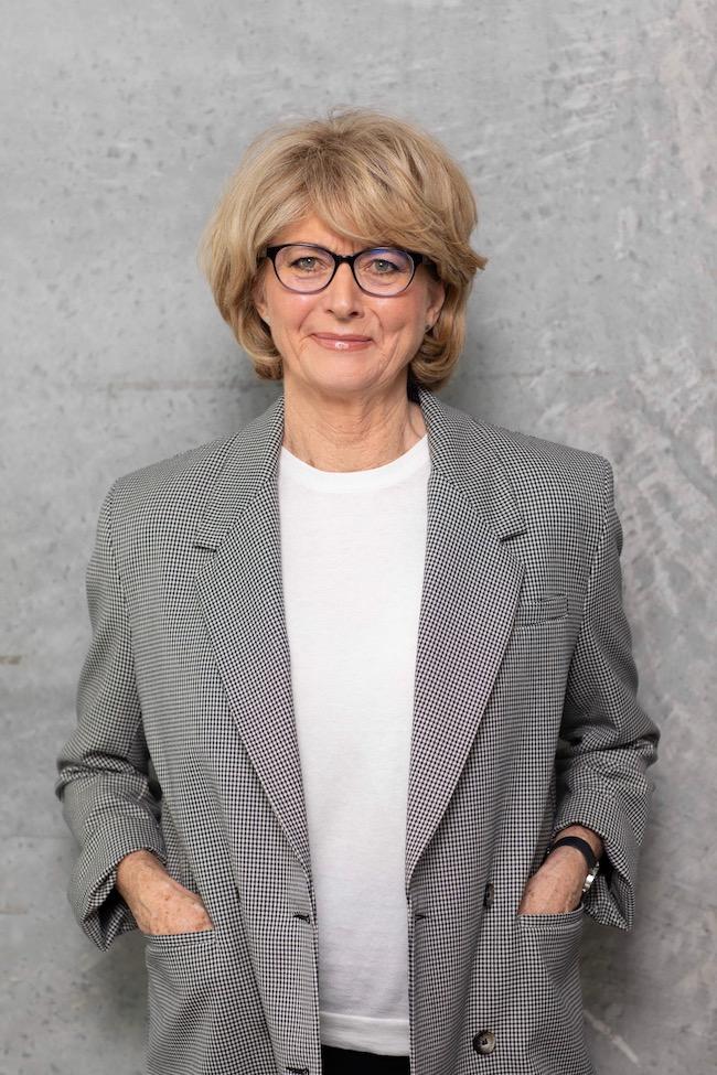 Deborah Carlyon