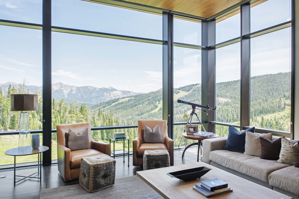 I could have stayed in this house forever... I think I mentioned that to the owner 1 or 20 times, ha! The mountain views and the modern architecture made this home one of my favorites ever!