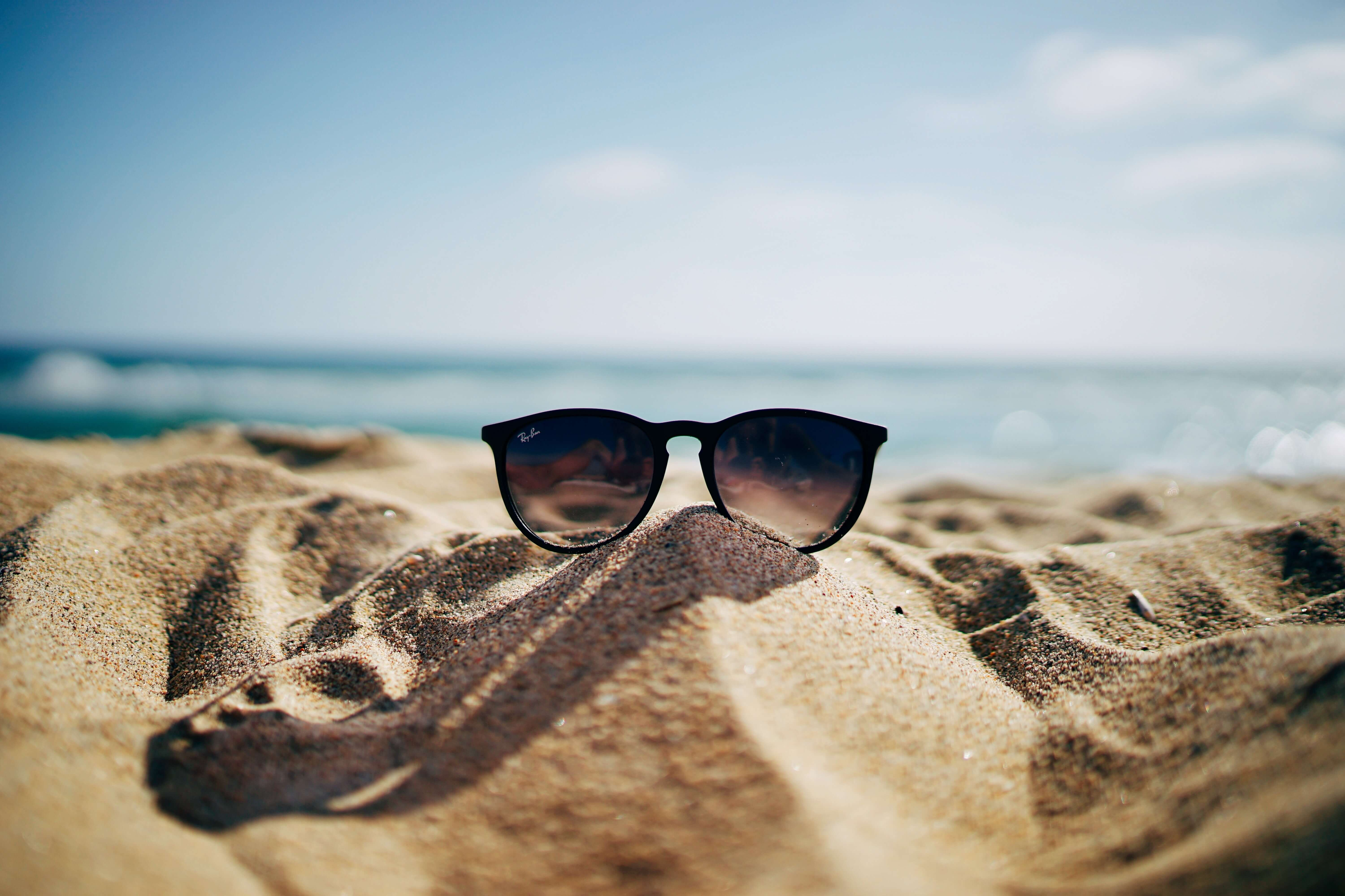 Learn summer beach vocabulary in another language