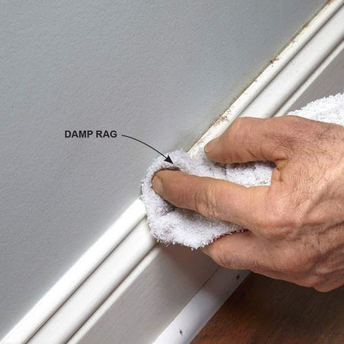 Bersihkan dinding sebelum ditempel masking tape
