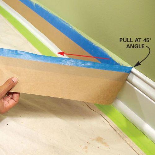 45 derajat sudut yang tepat saat mengelupas masking tape dari dinding
