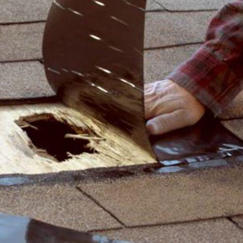 Flex Tape bisa menutup lubang di atap