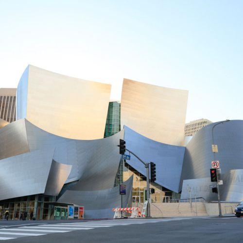 Gedung Konser Walt Disney Menggunakan lakban terkuat VHB tape