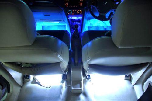 neon flex di bawah jok mobil