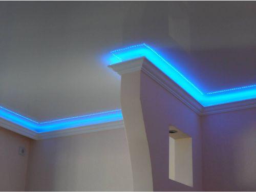 LED strip dipasang secara tersembunyi