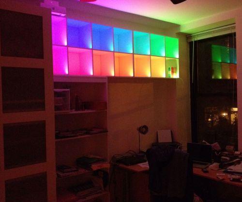 Contoh LED Strip warna warni