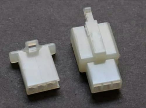 sambungan kabel soket 3 pin