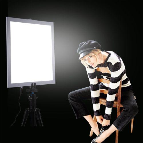 Gambar penggunaan lampu panel LED untuk foto