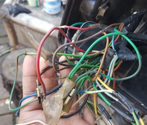 Gambar kabel bodi motor yang rusak