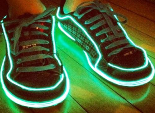 El wire projects pada sepatu