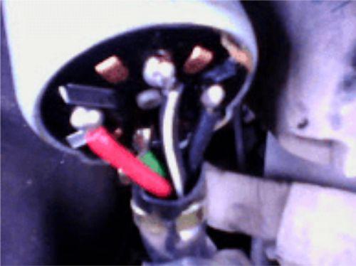 Gambar contoh kunci kontak yang menggunakan 4 kabel atau koneksi