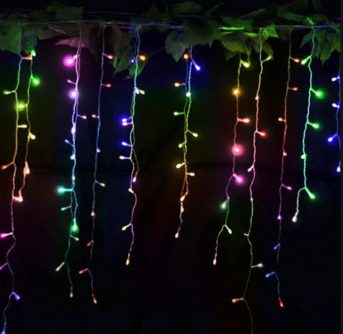 Gambar ampu TUMBLR tirai warna-warni