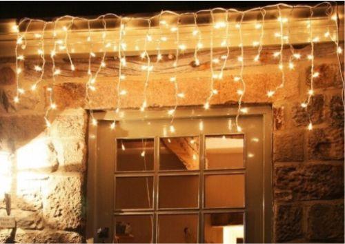 Contoh penggunaan lampu TUMBLR tirai outdoor