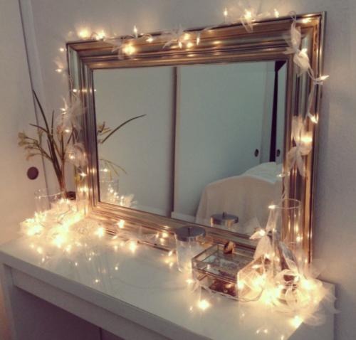 Gambar dekorasi lampu TUMBLR pada cermin