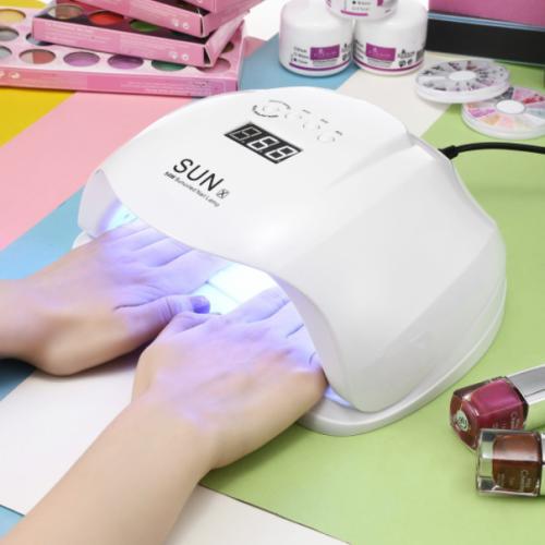 Lampu UV untuk mengeringkan kutek UV gel