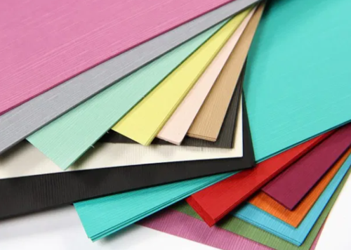 Berbagai macam warna kertas berbahan linen