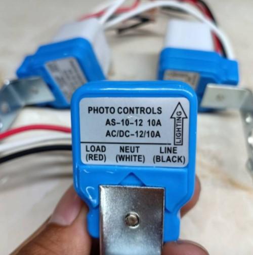 terminal pada saklar photocell