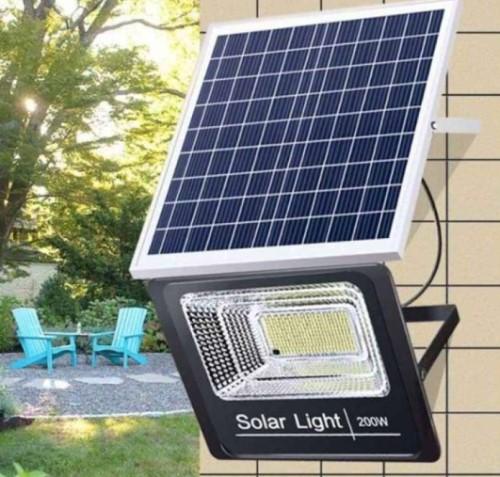 LED tenaga surya